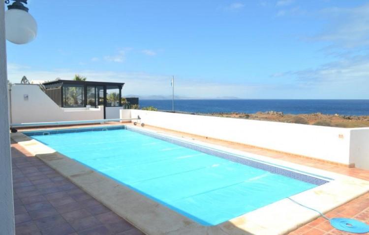 4 Bed  Villa/House for Sale, Playa Blanca, Lanzarote - LA-LA844s 1