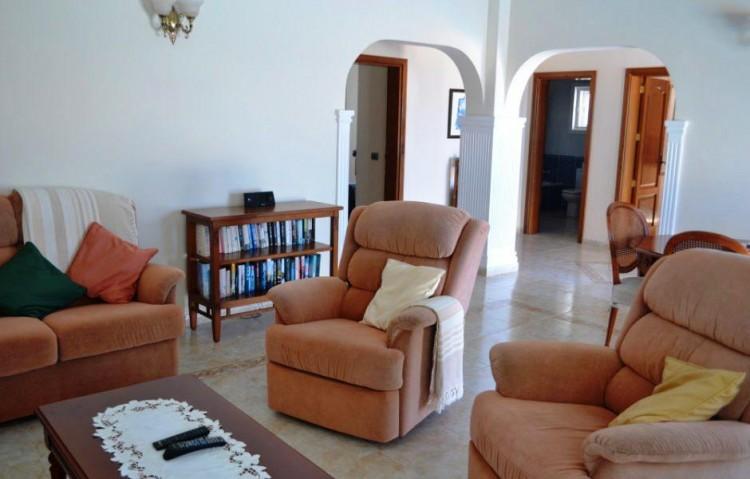 4 Bed  Villa/House for Sale, Playa Blanca, Lanzarote - LA-LA844s 3