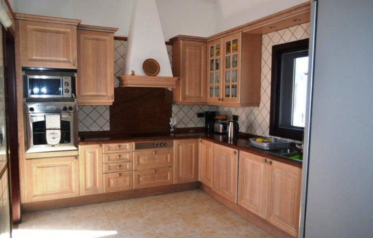 4 Bed  Villa/House for Sale, Playa Blanca, Lanzarote - LA-LA844s 4