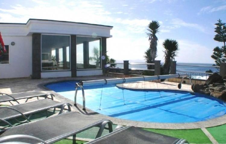 3 Bed  Villa/House for Sale, Playa Blanca, Lanzarote - LA-LA843s 1
