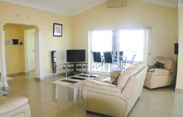 3 Bed  Villa/House for Sale, Playa Blanca, Lanzarote - LA-LA843s 3