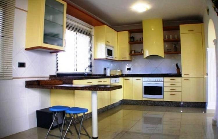 3 Bed  Villa/House for Sale, Playa Blanca, Lanzarote - LA-LA843s 4