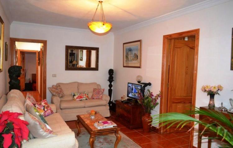 7 Bed  Villa/House for Sale, Puerto Del Carmen, Lanzarote - LA-LA848s 4