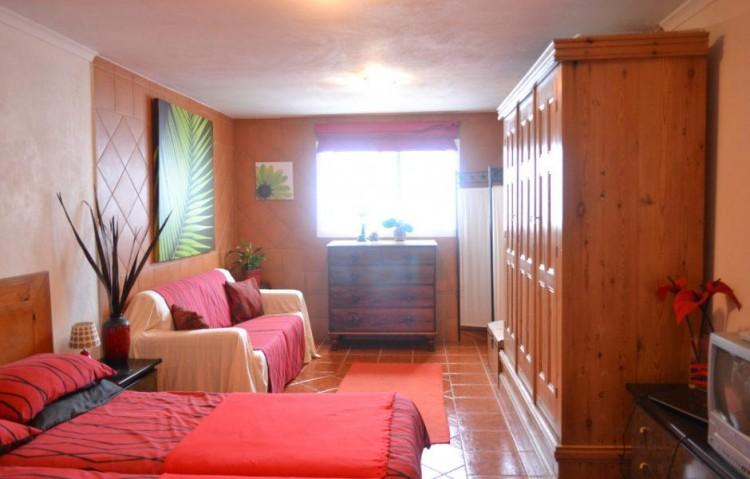 7 Bed  Villa/House for Sale, Puerto Del Carmen, Lanzarote - LA-LA848s 7