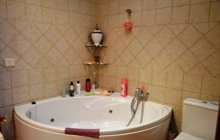 7 Bed  Villa/House for Sale, Puerto Del Carmen, Lanzarote - LA-LA848s 8