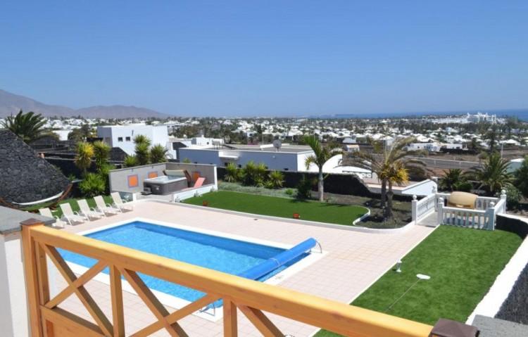 6 Bed  Villa/House for Sale, Playa Blanca, Lanzarote - LA-LA846s 2