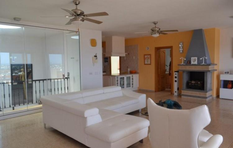 6 Bed  Villa/House for Sale, Playa Blanca, Lanzarote - LA-LA846s 3