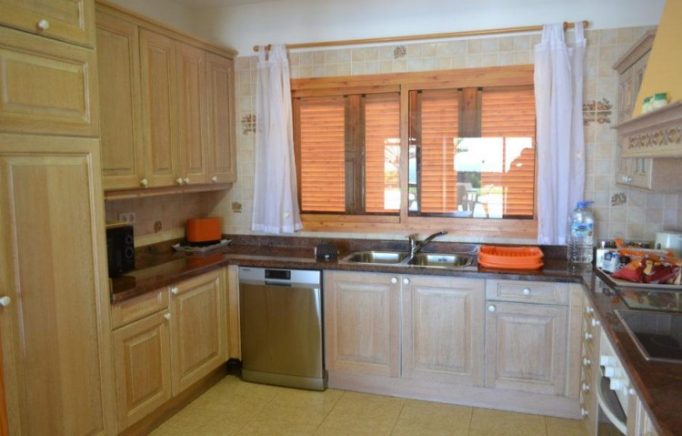 6 Bed  Villa/House for Sale, Playa Blanca, Lanzarote - LA-LA846s 5
