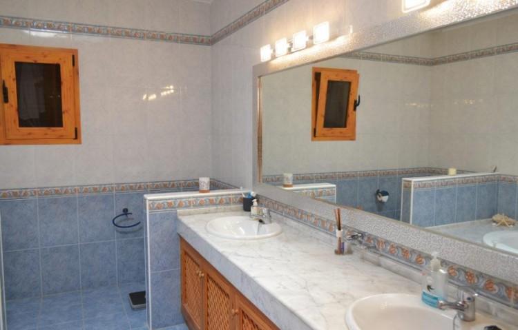 6 Bed  Villa/House for Sale, Playa Blanca, Lanzarote - LA-LA846s 8