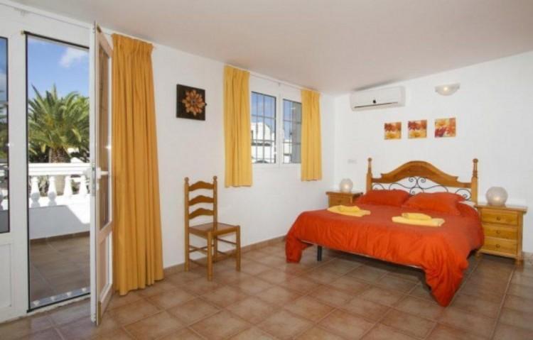 7 Bed  Villa/House for Sale, Puerto Del Carmen, Lanzarote - LA-LA847s 4