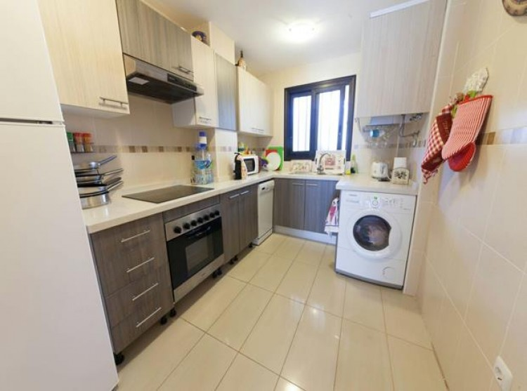 2 Bed  Flat / Apartment for Sale, El Madroñal, Tenerife - PG-LL167 8