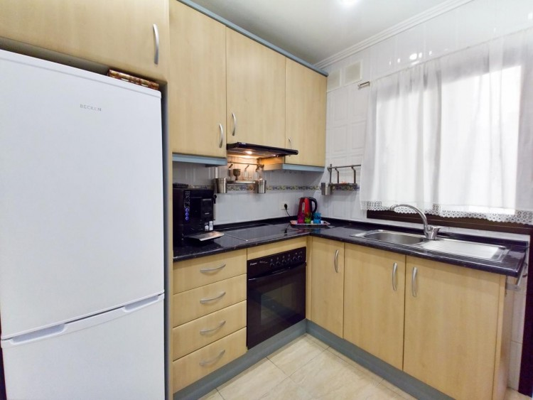 2 Bed  Flat / Apartment for Sale, Adeje, Santa Cruz De Tenerife, Tenerife - IN-295 12