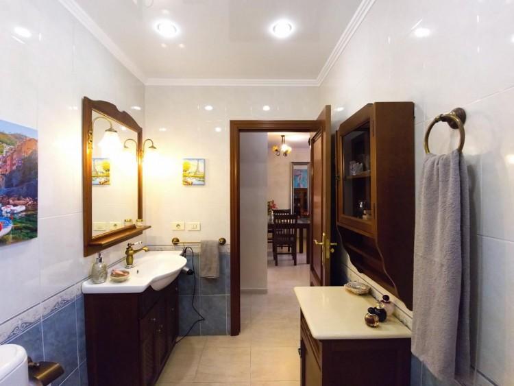 2 Bed  Flat / Apartment for Sale, Adeje, Santa Cruz De Tenerife, Tenerife - IN-295 19