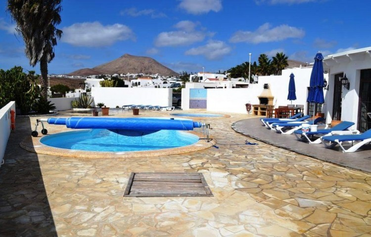 5 Bed  Villa/House for Sale, Guime, Lanzarote - LA-LA854s 1