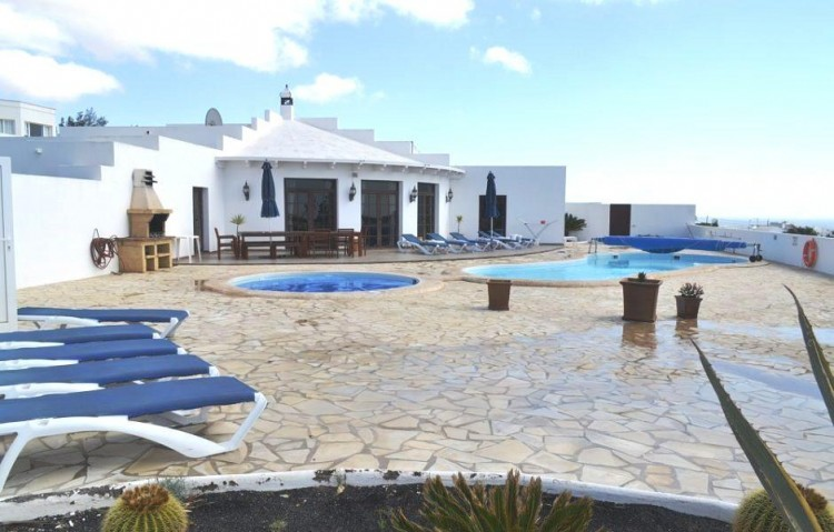5 Bed  Villa/House for Sale, Guime, Lanzarote - LA-LA854s 9