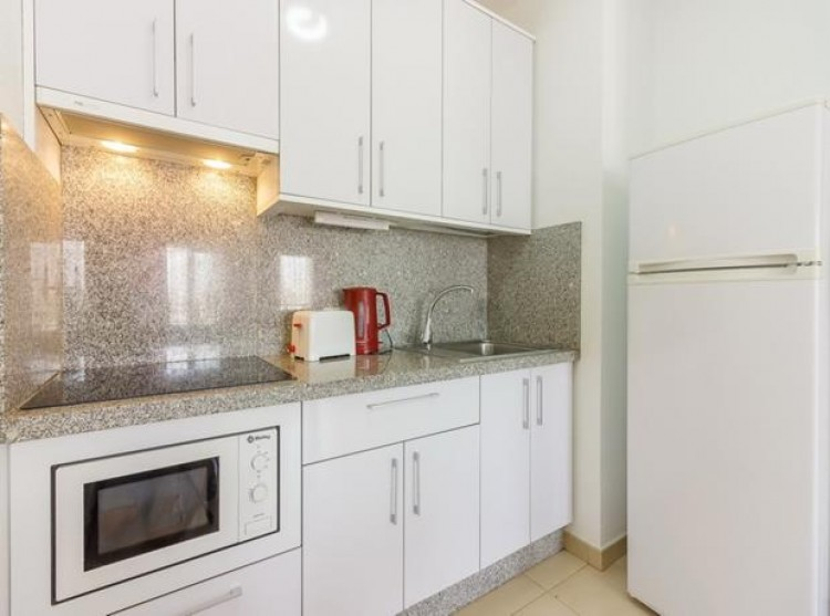 1 Bed  Flat / Apartment for Sale, Playa Paraiso, Tenerife - PG-LL169 15