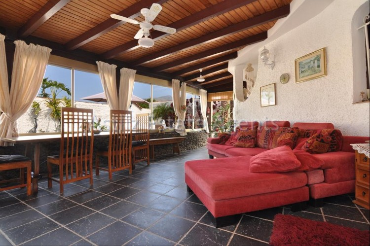 4 Bed  Villa/House for Sale, El Varadero, Guia De Isora, Tenerife - AZ-1322 2