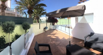 2 Bed  Flat / Apartment for Sale, San Eugenio, Torviscas Playa, Tenerife - TP-7595