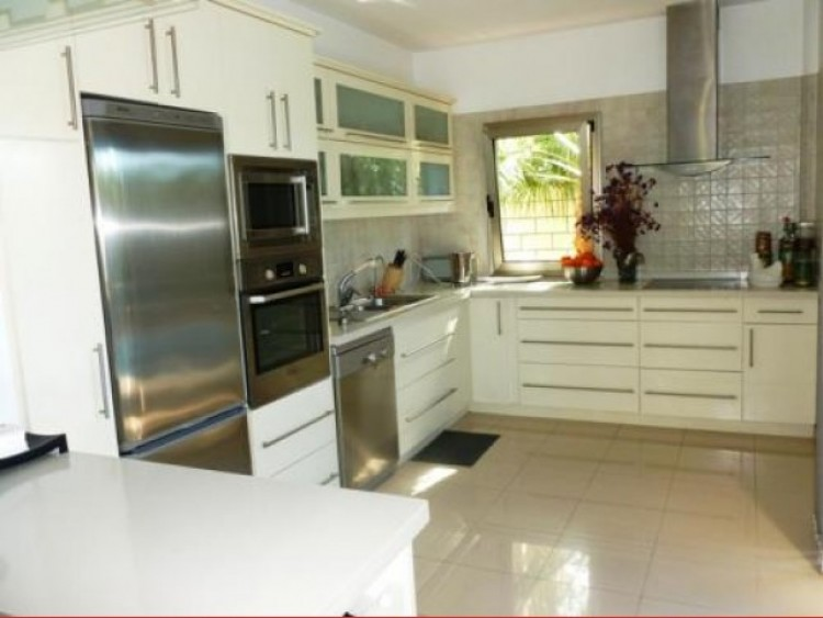 3 Bed  Villa/House for Sale, Callao Salvaje, Tenerife - CS-41 4