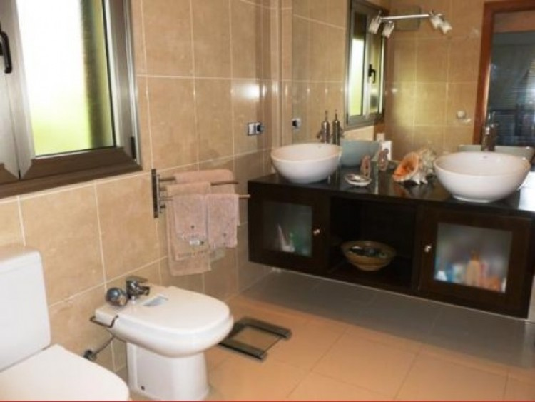 3 Bed  Villa/House for Sale, Callao Salvaje, Tenerife - CS-41 6