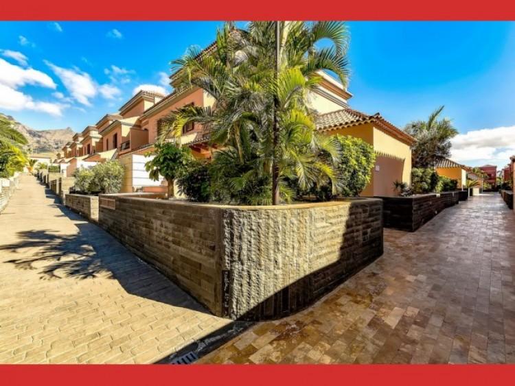 3 Bed  Villa/House for Sale, Playa Fañabé, Tenerife - CS-26 18
