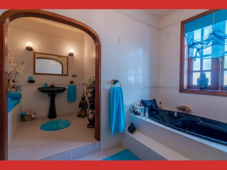 4 Bed  Villa/House for Sale, Callao Salvaje, Tenerife - CS-74 12
