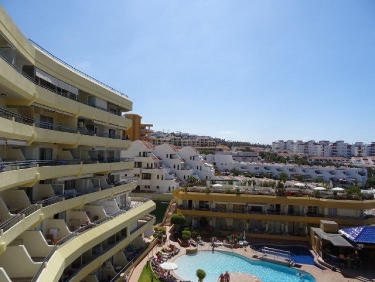 1 Bed  Flat / Apartment for Sale, Playa de las Américas, Tenerife - CS-02 17