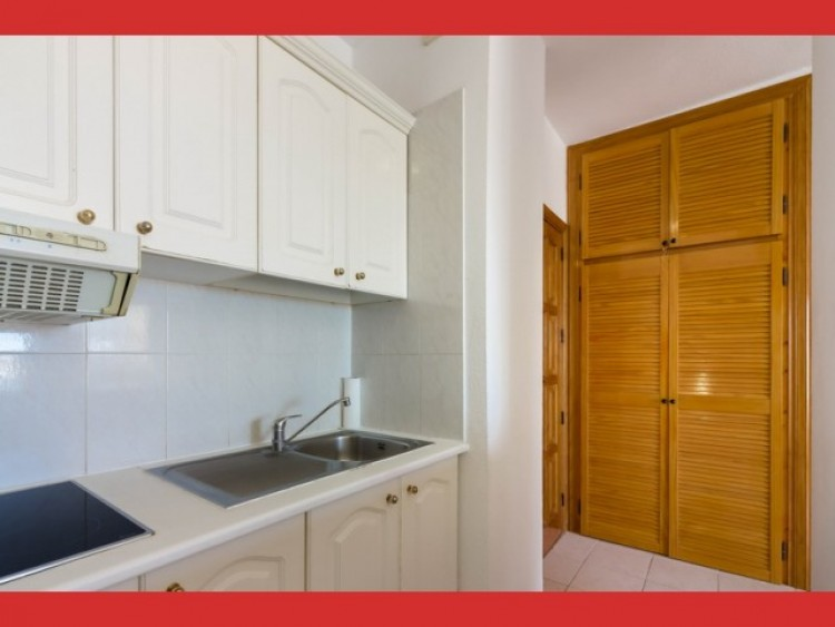 1 Bed  Flat / Apartment for Sale, Playa Paraiso, Tenerife - CS-19 7