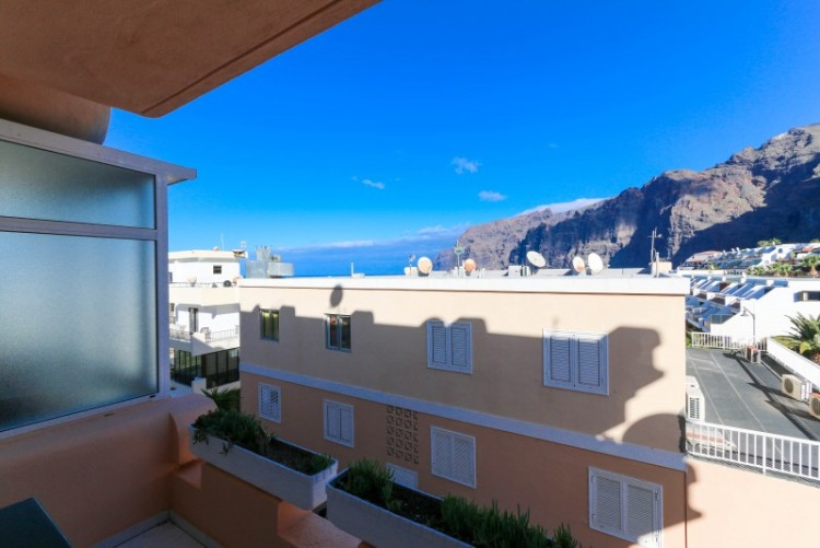 1 Bed  Flat / Apartment for Sale, Los Gigantes, Tenerife - YL-PW96 1