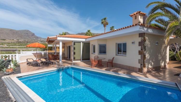 2 Bed  Villa/House for Sale, Puerto de Santiago, Tenerife - YL-PW91 1