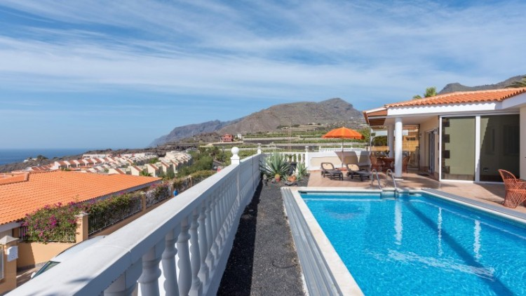 2 Bed  Villa/House for Sale, Puerto de Santiago, Tenerife - YL-PW91 10