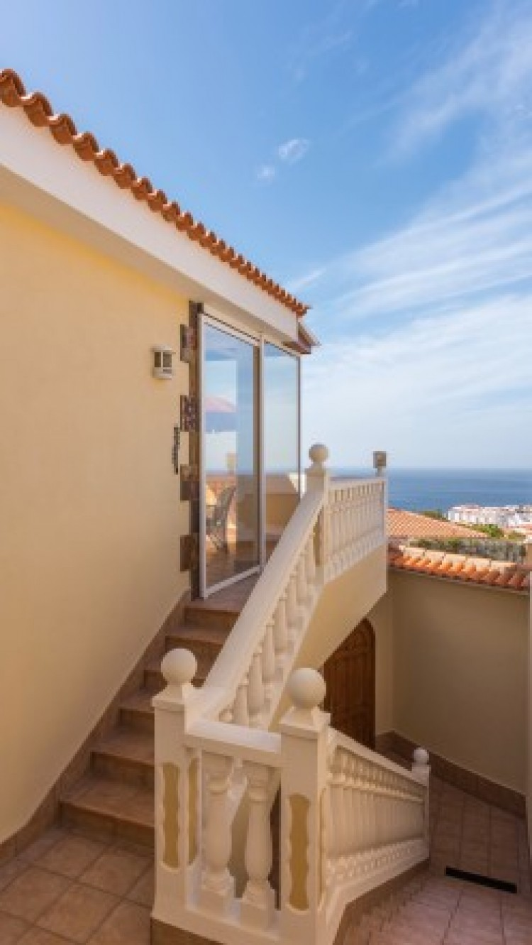 2 Bed  Villa/House for Sale, Puerto de Santiago, Tenerife - YL-PW91 11
