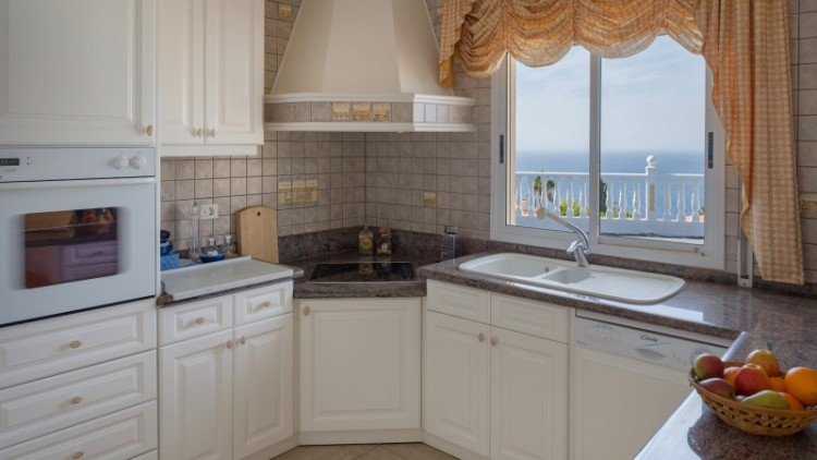 2 Bed  Villa/House for Sale, Puerto de Santiago, Tenerife - YL-PW91 14
