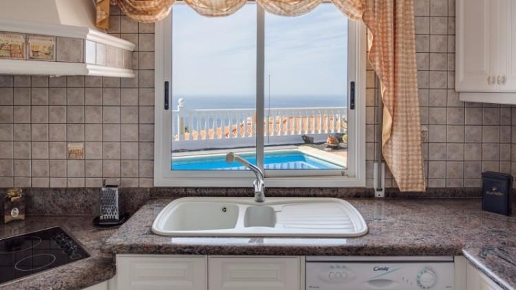 2 Bed  Villa/House for Sale, Puerto de Santiago, Tenerife - YL-PW91 16