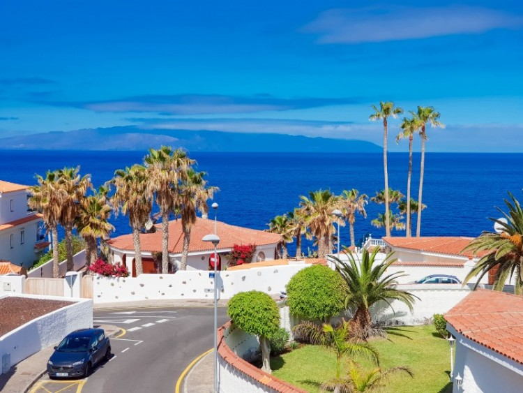 2 Bed  Flat / Apartment for Sale, El Varadero, Tenerife - YL-PW72 2