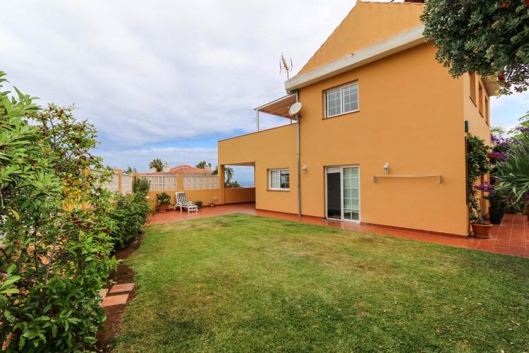 2 Bed  Villa/House for Sale, Puerto de la Cruz, Tenerife - YL-PW51 1