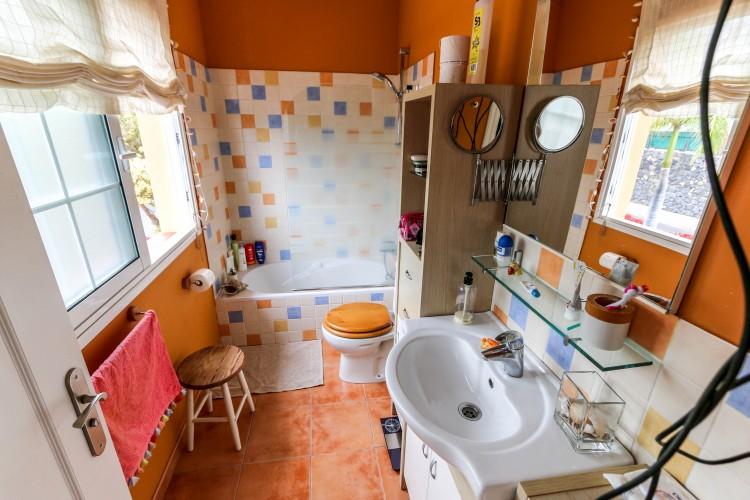 2 Bed  Villa/House for Sale, Puerto de la Cruz, Tenerife - YL-PW51 8