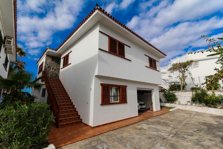 5 Bed  Villa/House for Sale, Puerto de Santiago, Tenerife - YL-PW42 3
