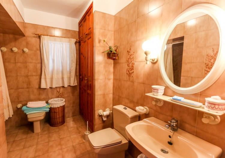 5 Bed  Villa/House for Sale, Puerto de Santiago, Tenerife - YL-PW42 8