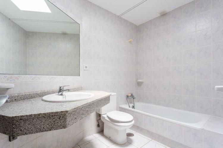 2 Bed  Flat / Apartment for Sale, San Bartolome de Tirajana, LAS PALMAS, Gran Canaria - BH-6992-MIA-2912 18
