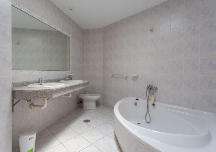 2 Bed  Flat / Apartment for Sale, San Bartolome de Tirajana, LAS PALMAS, Gran Canaria - BH-6992-MIA-2912 20