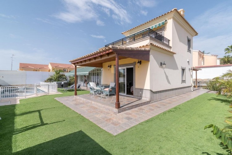 4 Bed  Villa/House for Sale, San Bartolome de Tirajana, LAS PALMAS, Gran Canaria - BH-7906-AM-2912 1