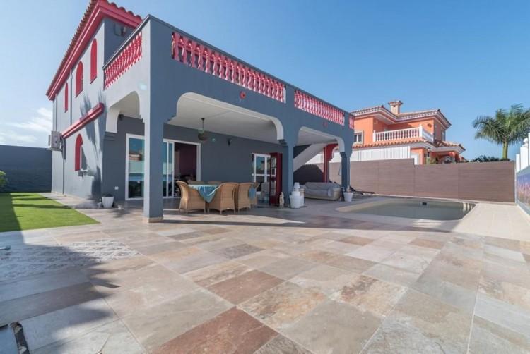 4 Bed  Villa/House for Sale, San Bartolome de Tirajana, LAS PALMAS, Gran Canaria - BH-8325-ARA-2912 1