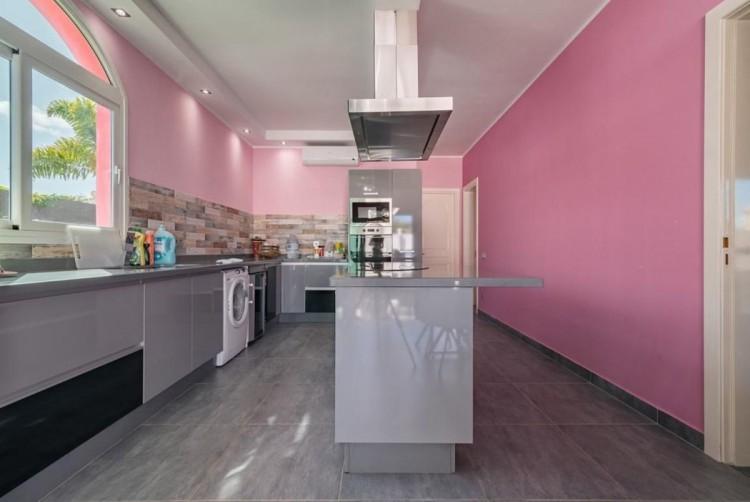 4 Bed  Villa/House for Sale, San Bartolome de Tirajana, LAS PALMAS, Gran Canaria - BH-8325-ARA-2912 16