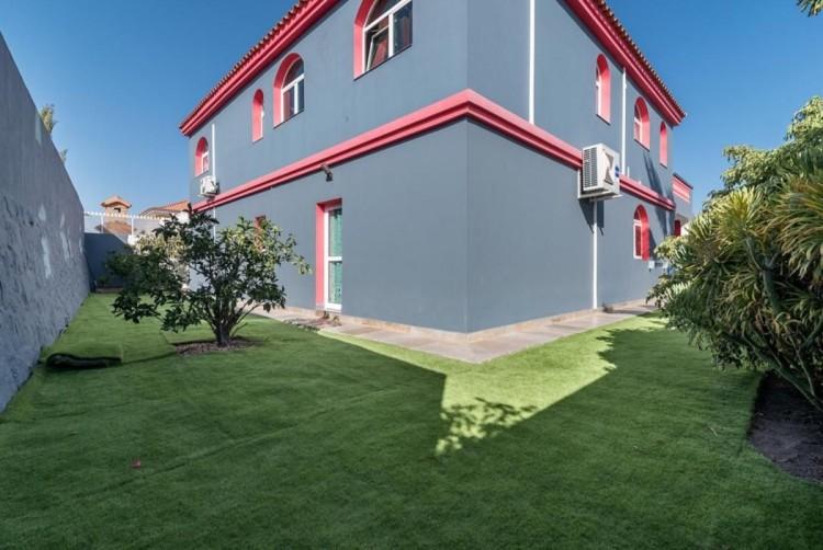 4 Bed  Villa/House for Sale, San Bartolome de Tirajana, LAS PALMAS, Gran Canaria - BH-8325-ARA-2912 3