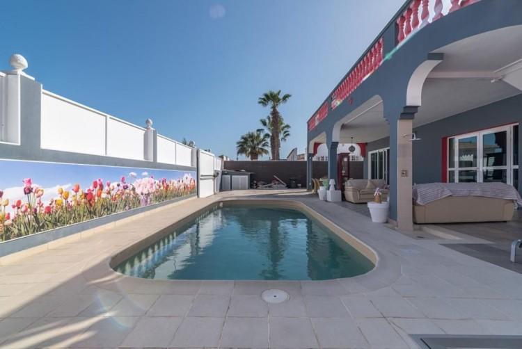 4 Bed  Villa/House for Sale, San Bartolome de Tirajana, LAS PALMAS, Gran Canaria - BH-8325-ARA-2912 7