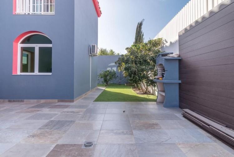 4 Bed  Villa/House for Sale, San Bartolome de Tirajana, LAS PALMAS, Gran Canaria - BH-8325-ARA-2912 8