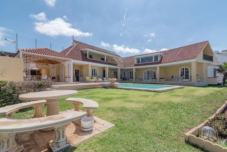 4 Bed  Villa/House for Sale, San Bartolome de Tirajana, LAS PALMAS, Gran Canaria - BH-8351-MIA-2912 1