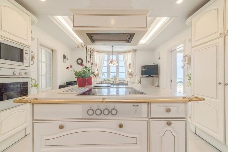 4 Bed  Villa/House for Sale, San Bartolome de Tirajana, LAS PALMAS, Gran Canaria - BH-8351-MIA-2912 16