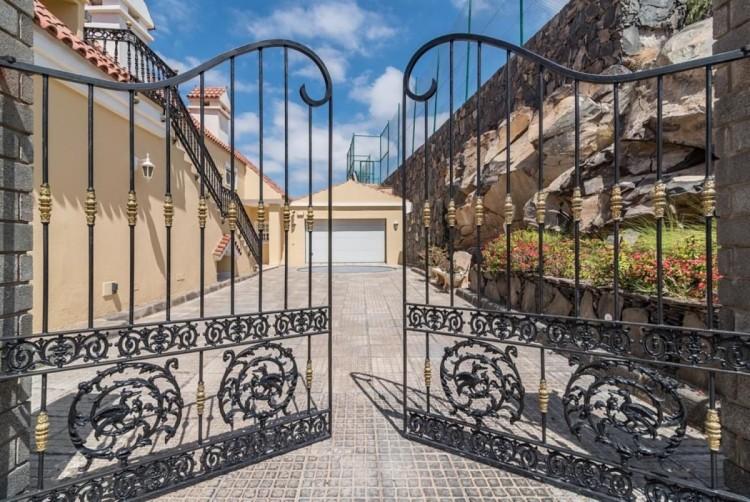 4 Bed  Villa/House for Sale, San Bartolome de Tirajana, LAS PALMAS, Gran Canaria - BH-8351-MIA-2912 3